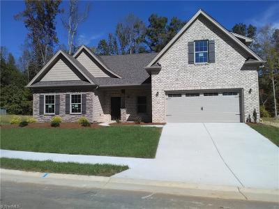 Clemmons Single Family Home For Sale: 6129 Barrington Oaks Drive