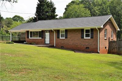 Guilford County Single Family Home For Sale: 715 Lakedale Road
