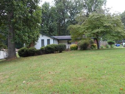 Winston Salem Single Family Home For Sale: 2880 Shetland Drive