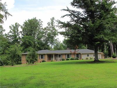 Alamance County Single Family Home For Sale: 822 Knollwood Falls Road