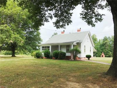 Stoneville Single Family Home For Sale: 665 Settlement Loop