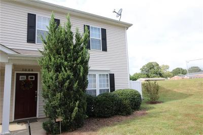 Kernersville Condo/Townhouse For Sale: 1008 Geoffrey Way