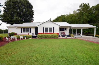 Clemmons Single Family Home For Sale: 524 Frye Bridge Road