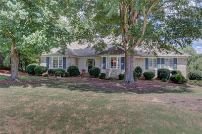 High Point Single Family Home For Sale: 620 Burning Tree Circle