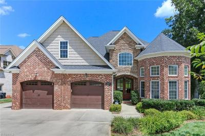 Lewisville Single Family Home For Sale: 337 Lake Knoll Court