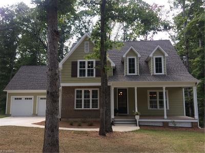 Mocksville Single Family Home For Sale: 242 N Carolina Circle