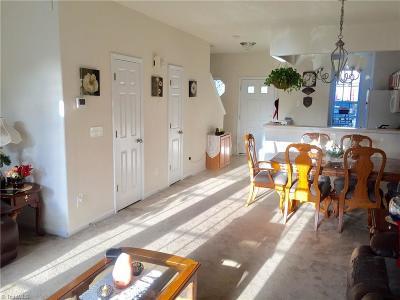 Winston Salem Condo/Townhouse For Sale: 5909 Hollow Wood Court