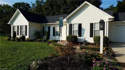 Mocksville Single Family Home For Sale: 222 Springhill Drive
