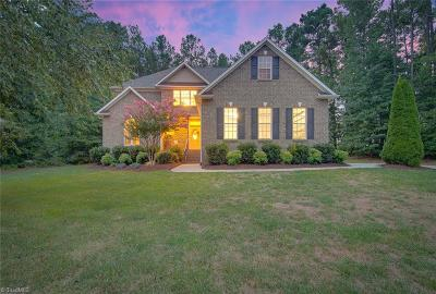 Winston Salem Single Family Home For Sale: 1068 Meadowlands Drive