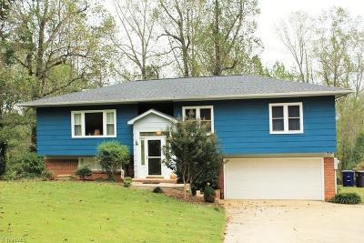Pfafftown Single Family Home For Sale: 5665 Sweetbriar Road