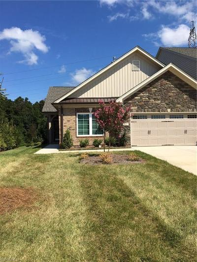High Point Condo/Townhouse For Sale: 772 King Fisher Lane #Lot 166