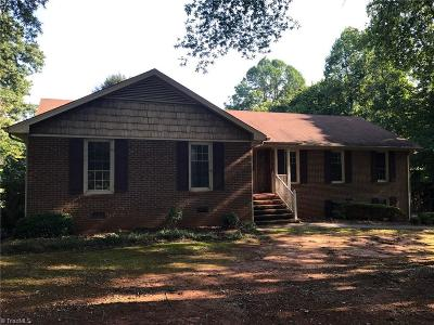 Guilford County Single Family Home For Sale: 7604 Wallingford Road