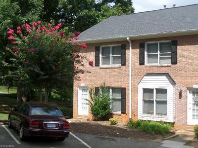 Clemmons Condo/Townhouse For Sale: 1447 King Charles Drive