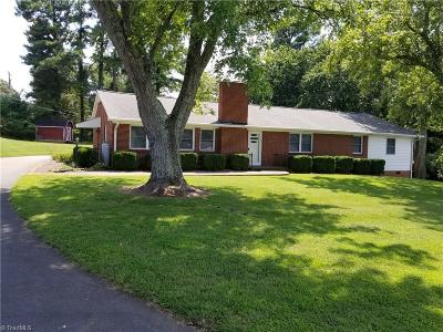King NC Single Family Home For Sale: $155,000