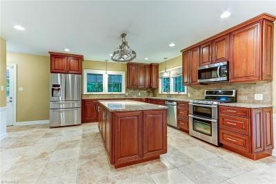 High Point Single Family Home For Sale: 905 Rotary Drive