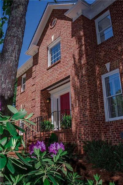 Greensboro Single Family Home For Sale: 10 Heathrow Court