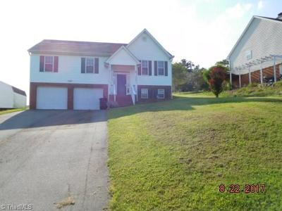 Kernersville Single Family Home For Sale: 606 Asheby Woods Road