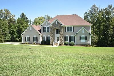 Alamance County Single Family Home For Sale: 1709 Carriage Run Court