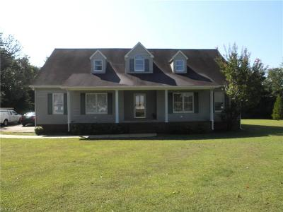 Alamance County Single Family Home For Sale: 3400 Country Hill Lane