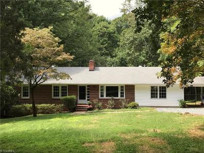 Winston Salem Single Family Home For Sale: 4804 Selwyn Drive