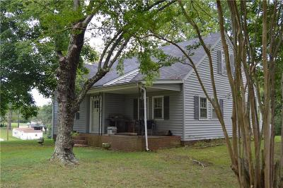 Stoneville Single Family Home For Sale: 202 Mebane Street