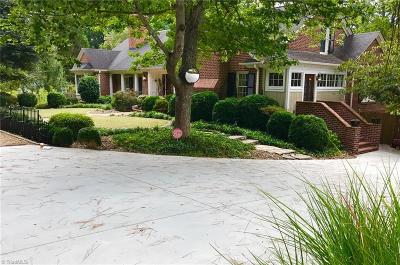 Lexington Single Family Home For Sale: 411 Country Club Drive