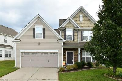 Pfafftown Single Family Home For Sale: 4949 Old Towne Village Circle
