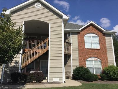 High Point Condo/Townhouse For Sale: 2640 Ingleside Drive