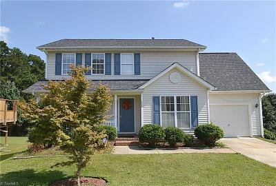 Kernersville Single Family Home For Sale: 425 Old Wood Lane