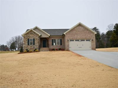 Rockingham County Single Family Home For Sale: 9947 Nc Highway 65