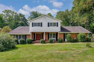 Winston Salem Single Family Home For Sale: 2310 Crestview Way