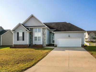 Alamance County Single Family Home For Sale: 524 Fernway Drive