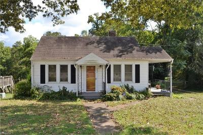Winston Salem Single Family Home For Sale: 442 Clemmonsville Road W