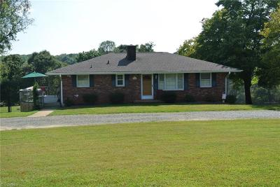 Pfafftown Single Family Home For Sale: 7350 Coon Creek Road