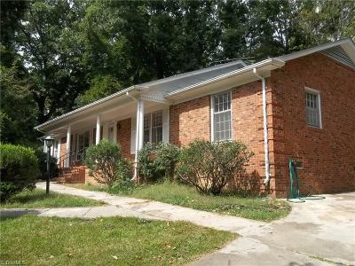 Greensboro Single Family Home For Sale: 5804 Carriage Lane