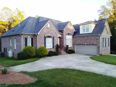 Kernersville Single Family Home For Sale: 5019 Sheffield Place Drive