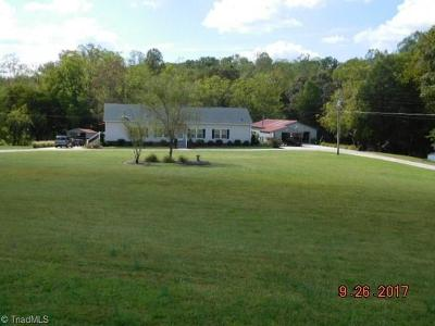 Mocksville Single Family Home For Sale: 262 Mason Drive