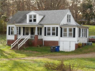 Winston Salem Single Family Home Due Diligence Period: 4722 N Cherry Street