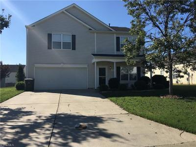 Kernersville Single Family Home For Sale: 126 Picardy Court