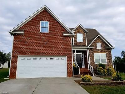 Mocksville Single Family Home For Sale: 269 Charleston Ridge Drive