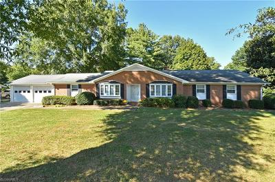 Pfafftown Single Family Home For Sale: 5505 Farmstead Road