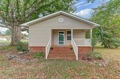 Gibsonville NC Single Family Home For Sale: $104,000