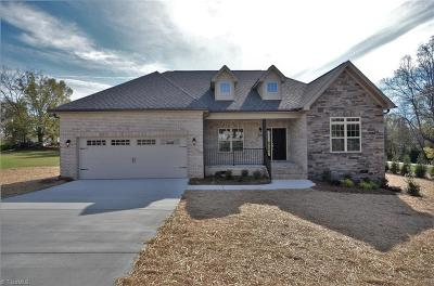 Clemmons Single Family Home For Sale: 5220 Rocklyn Court