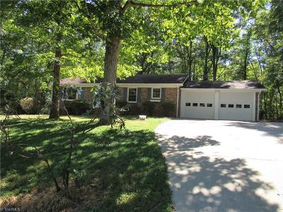 Tobaccoville NC Single Family Home For Sale: $137,900