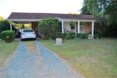 Burlington Single Family Home For Sale: 932 Fleeman Lane