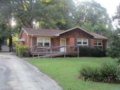 Guilford County Single Family Home For Sale: 2906 Custer Drive