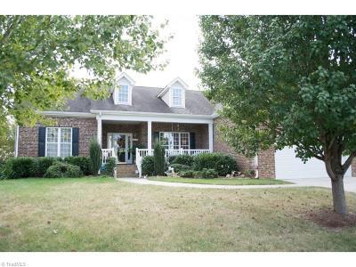 Whitsett Single Family Home For Sale: 6902 E Whirlaway Court