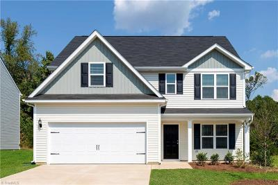 Winston Salem Single Family Home For Sale: 266 Kendall Farms Court