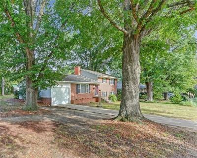 Burlington Single Family Home For Sale: 1219 Warwick Drive