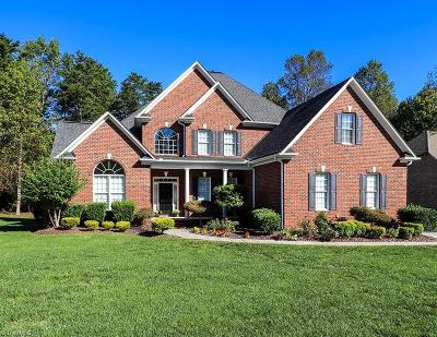 High Point Single Family Home For Sale: 2407 Lake Oak Court